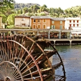 A water wheel in the Sorgue
