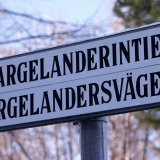 Street sign at Argelanderintie