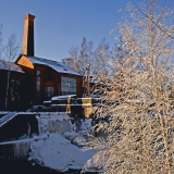 Vanhaa teollisuusmiljöötä talviasussa
