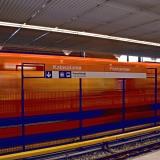 Metro saapuu Kalasataman asemalle