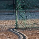 Jalkapallomaaleja Suomenlinnan urheilukentällä