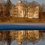 Villa Kivi at Linnunlaulu seen across Töölönlahti bay