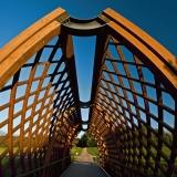A pedestrian bridge over Viikinoja
