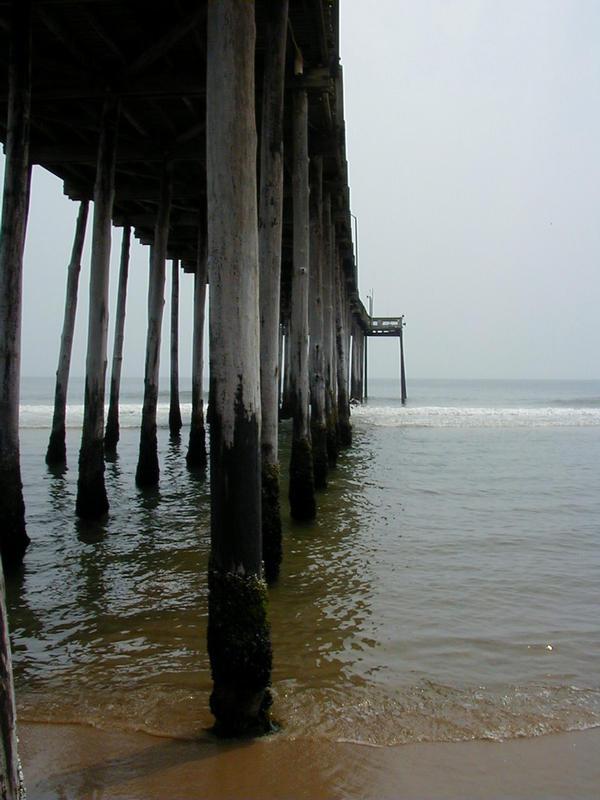Laituri Atlantin rannalla