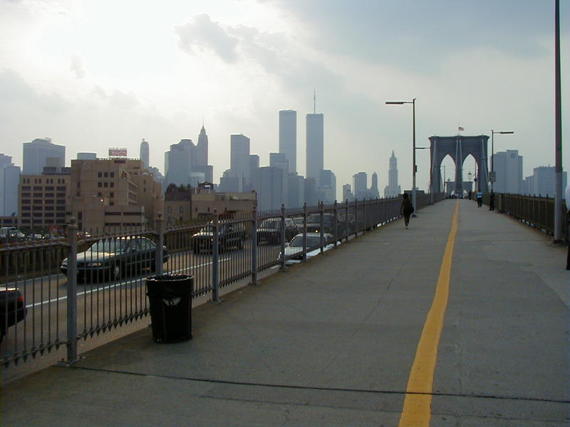 Brooklyn Bridge, taustalla Manhattan
