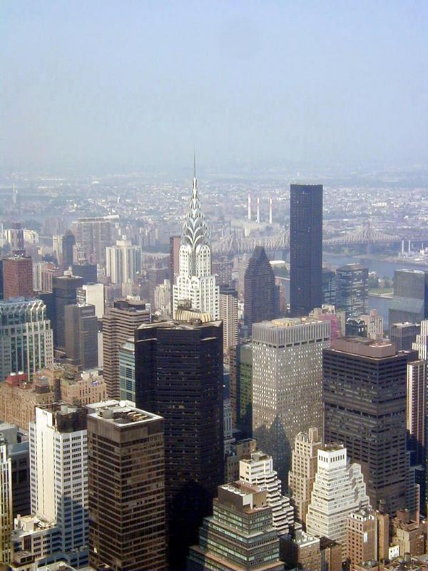 Näkymä Empire State Buildingista Chrysler Buildingin suuntaan