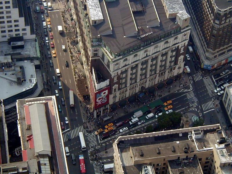 Näkymä Empire State Buildingista alas Macy's-tavaratalolle