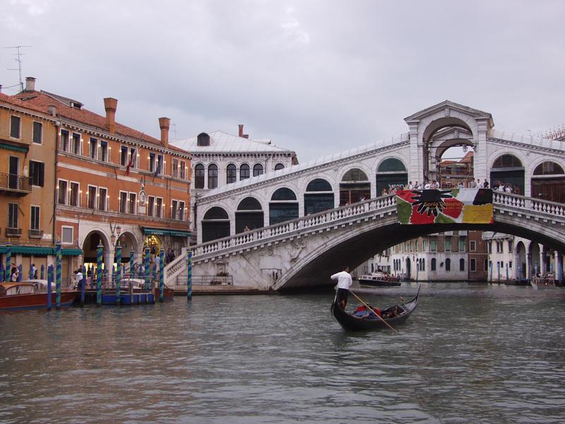 The Rialto bridge on the Grande Canale
