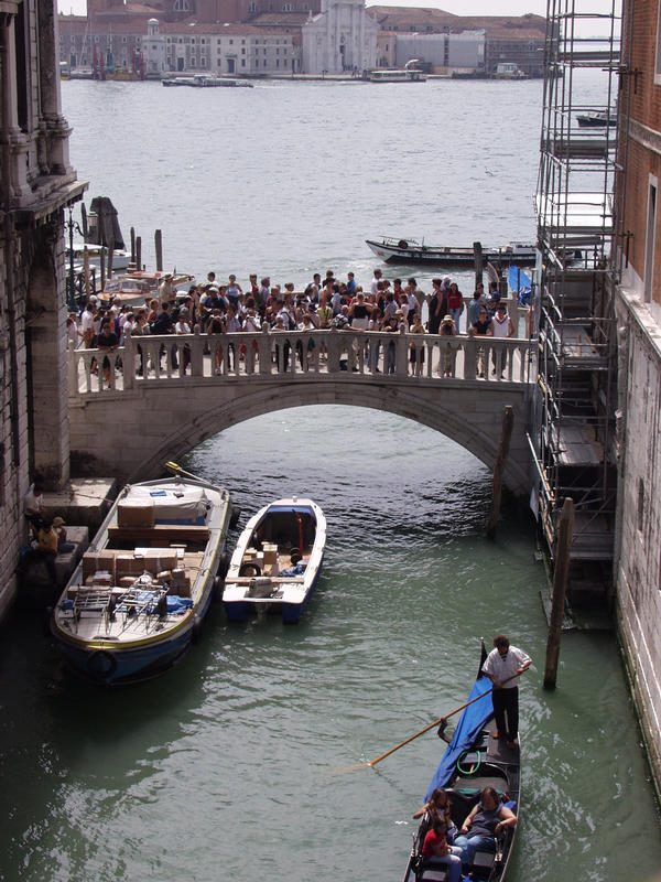 A view from the Bridge of Sighs