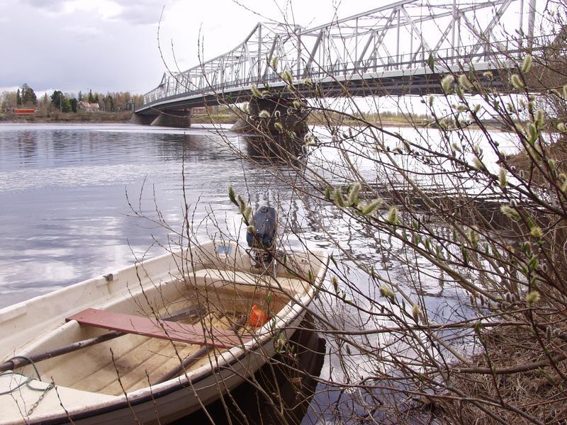 Soutuvene ja silta