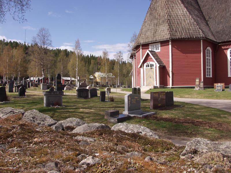 Övertorneån kirkko ja hautausmaa