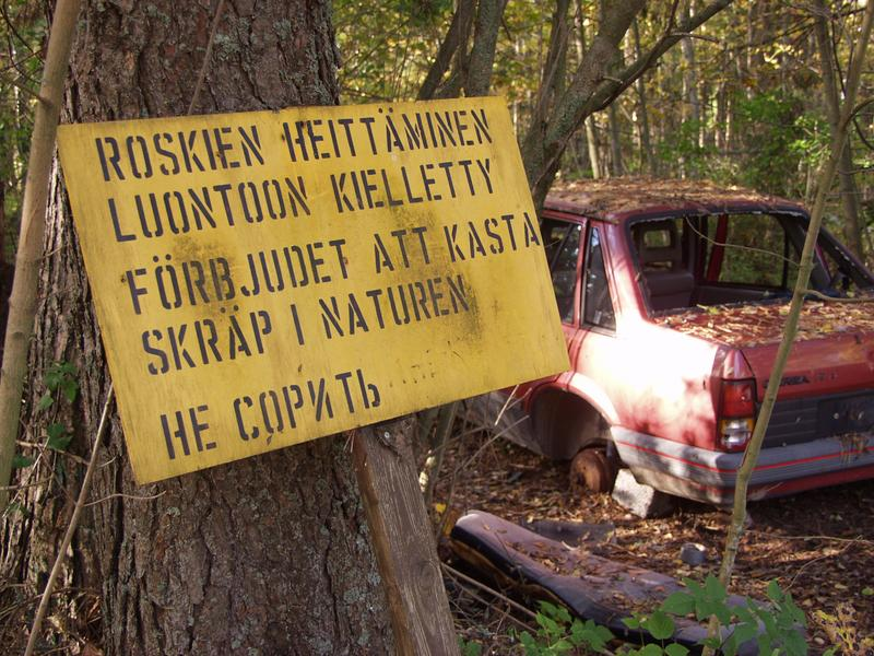 Kyltti metsässä