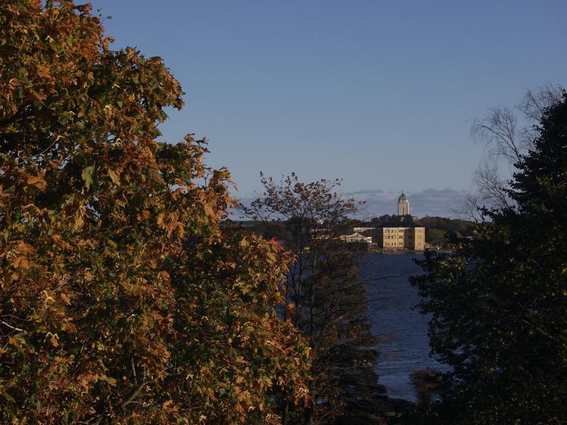Suomenlinna nähtynä Kaivopuistosta