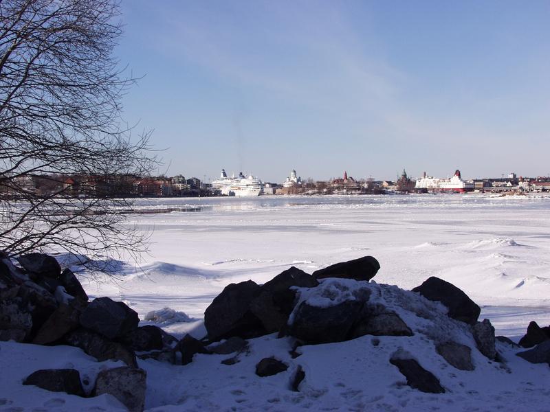 Suomenlinnan rantakiviä ja Etelä-Helsinkiä