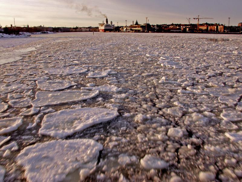 Katajannokka ja jäälauttainen Eteläsatama