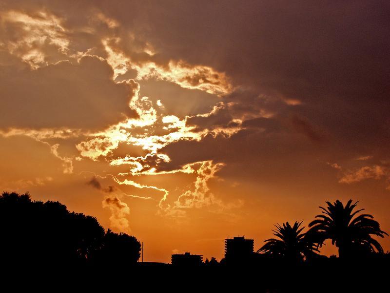 Taivas repeää