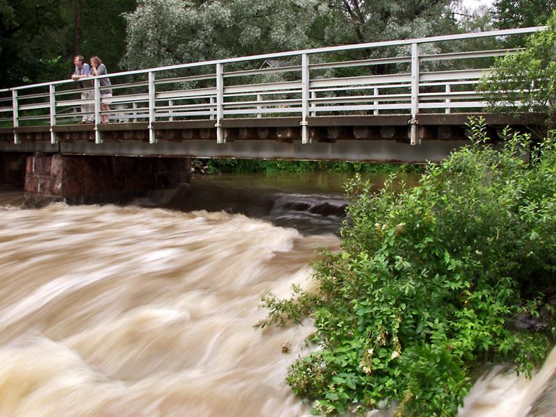 Sjundbyn sillan alla tulvii