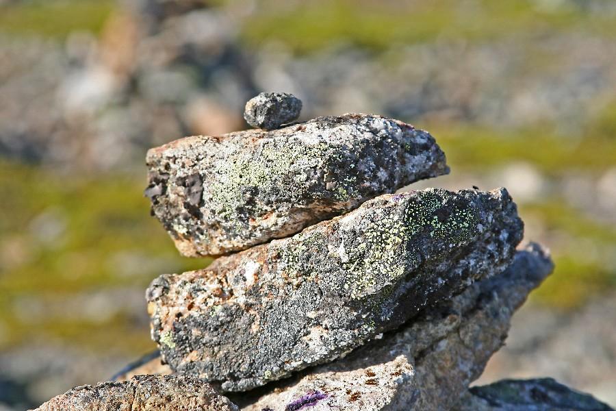 Kiviä tunturin huipulla