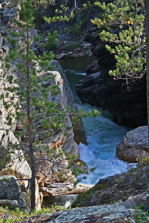 Ravadasköngäs rapids in Lemmenjoki national park