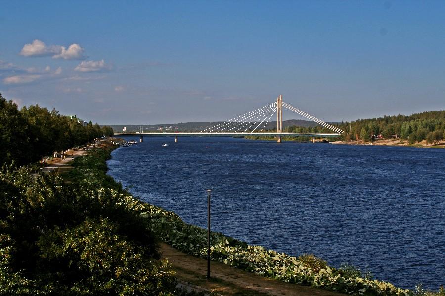 Lumberjack's candle bridge and Ounasjoki river