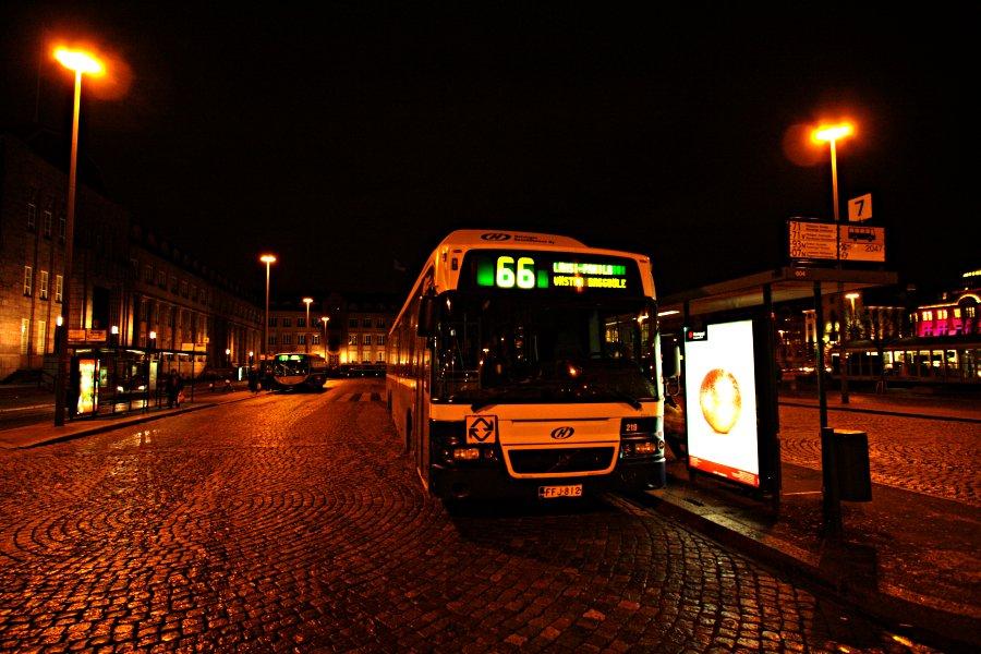 Bus 66 to Länsi-Pakila at Rautatientori