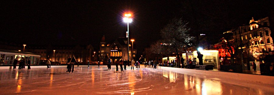 Ice rink at Rautatientori