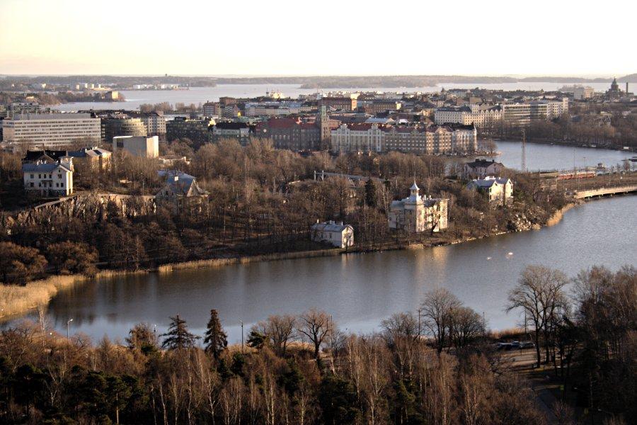 Töölönlahti, Linnunlaulu ja Hakaniemi nähtynä Stadionin tornista