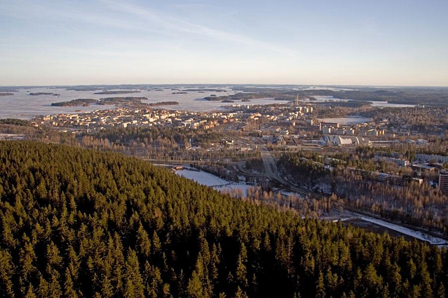 Kuopion kaupunki nähtynä Puijon tornista