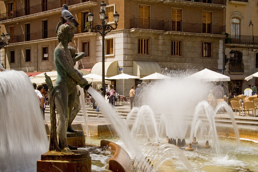 Turia fountain at the Plaça de la Verge