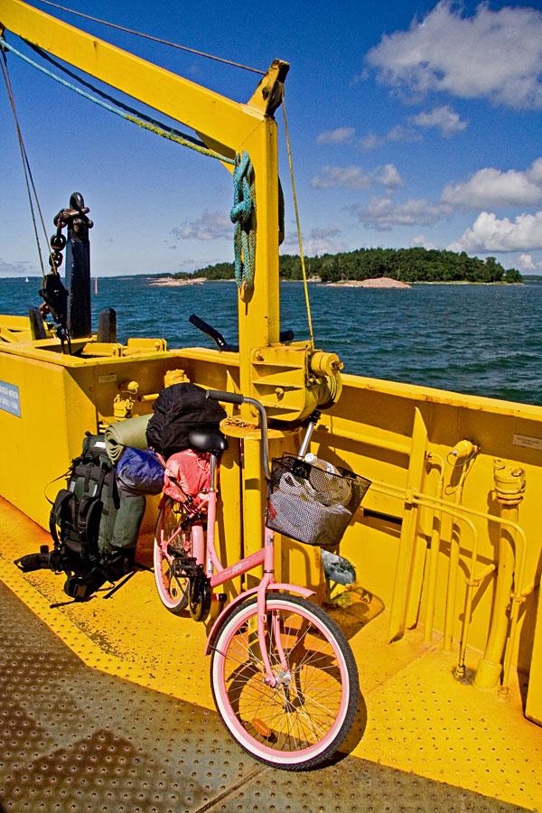 Polkupyörä Korppoon ja Houtskarin välisellä lautalla