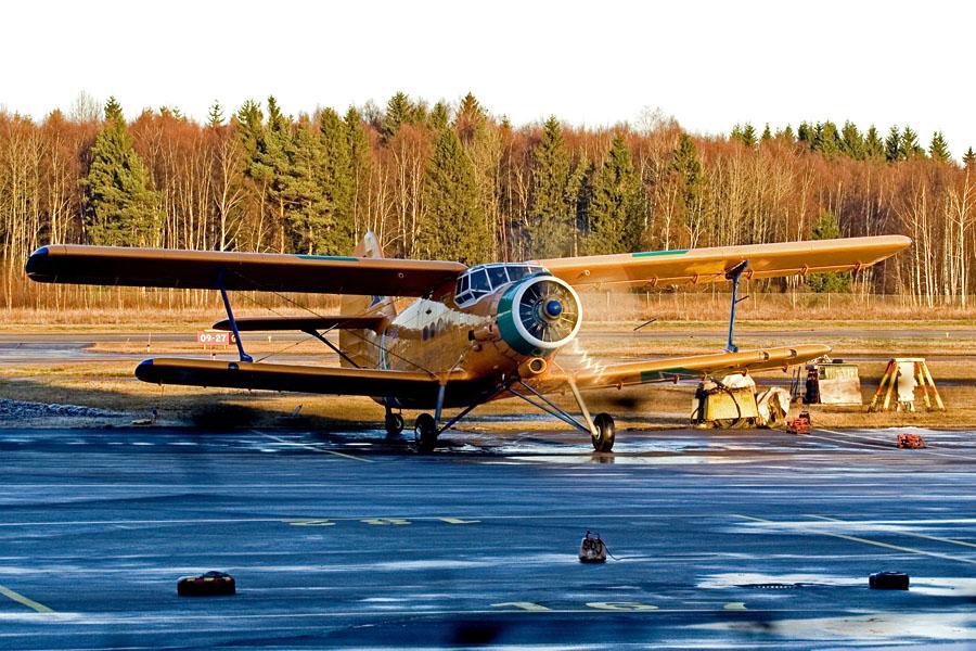 Antonov An-2 (ES-CAG)