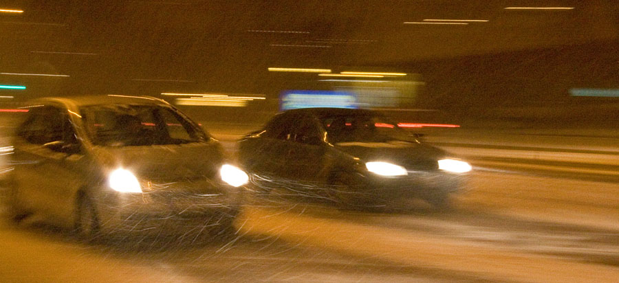 Cars in a blizzard at Mannerheimintie