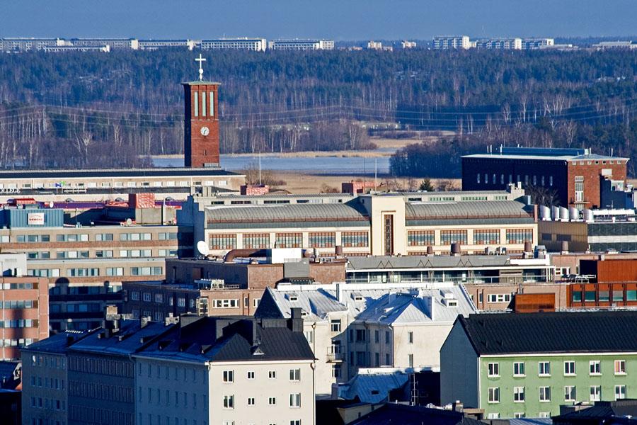 Paavalin kirkon torni ja Vallilaa