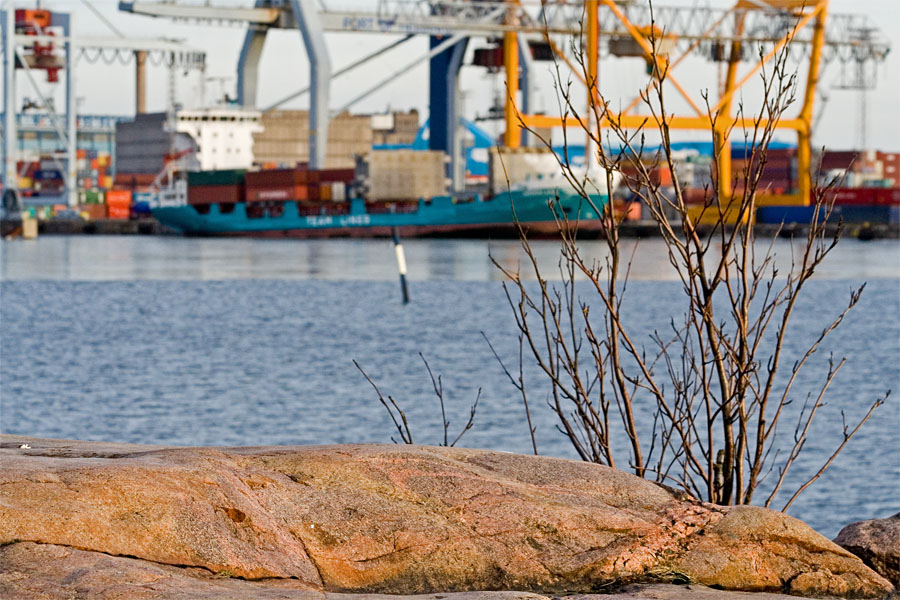 A cargo ship in Länsisatama harbour