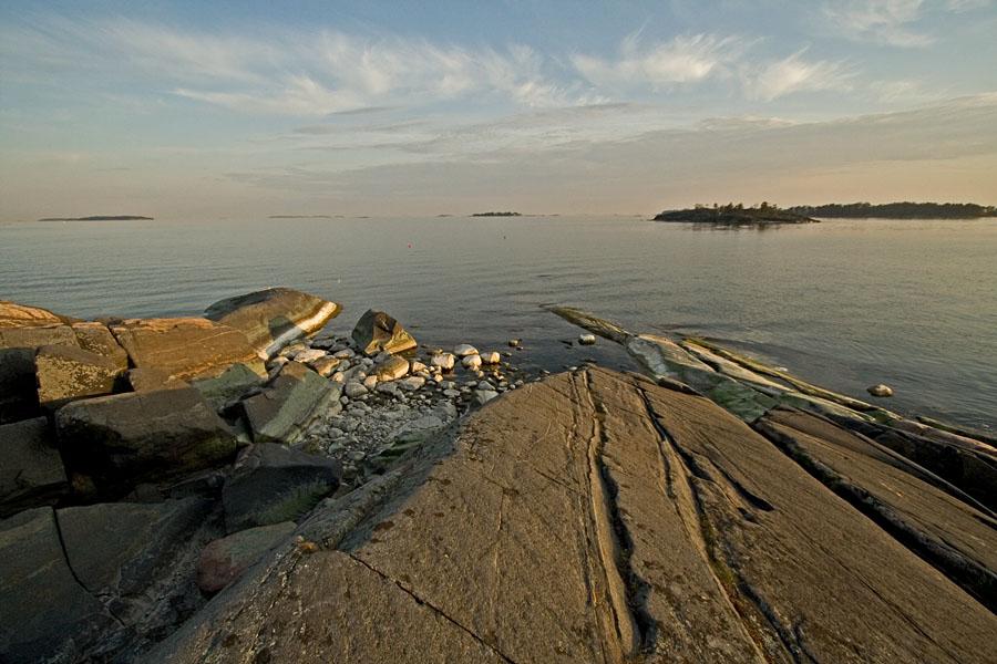 Skatanniemi dives to the Finnish bay