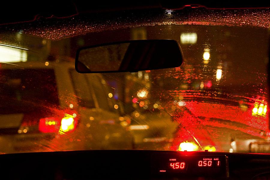 Taksin kyydissä