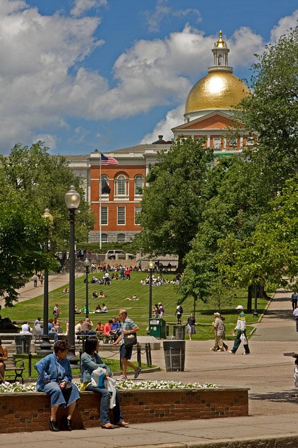 Boston Commonin puisto ja Massachusettsin osavaltion parlamenttitalo