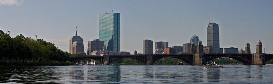 Charles river, Longfellow bridge ja Bostonin pilvenpiirtäjiä