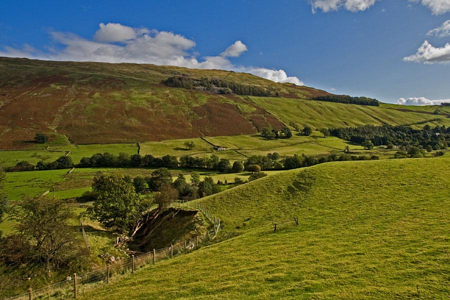 Vihreä laakso Lake Districtissä