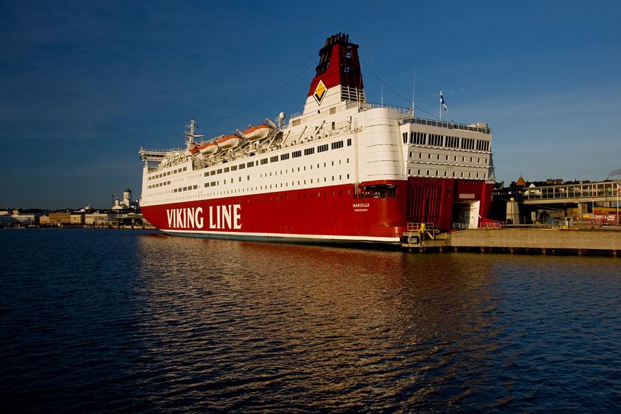 Viking Linen M/S Mariella laiturissa Katajanokalla