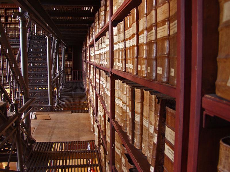 Kirkonkirjoja Kansallisarkistossa