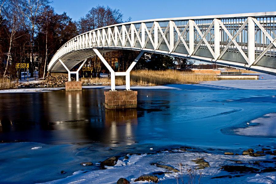 Bridge over Laukkaniemensalmi between Kaskisaari and Lauttasaari