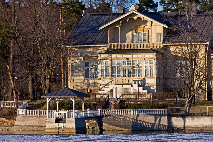 Pääministerin virka-asunto Kesäranta Meilahdessa