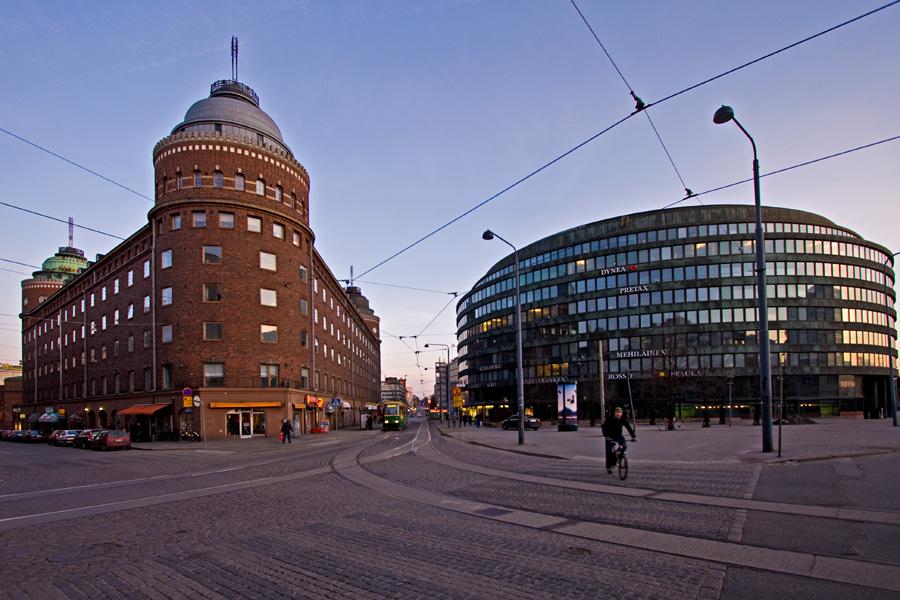 Porthaninkadun, Toisen Linjan ja Siltasaarenkadun risteys, Arena-talo ja ympyrätalo Hakaniemessä