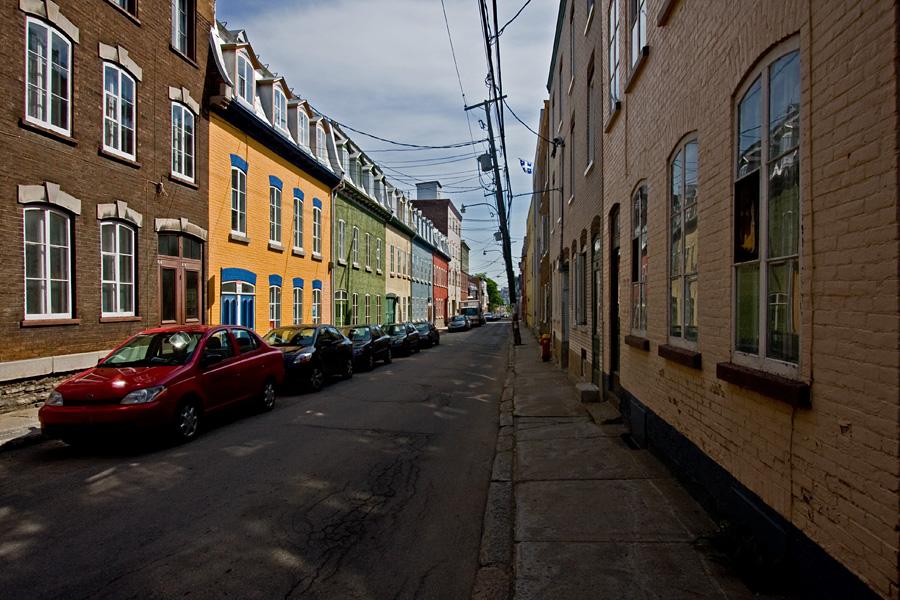Värikkäitä taloja Rue Richelieulla