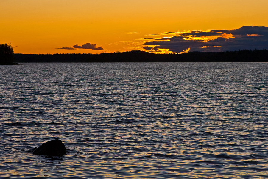 Sunset Suomeksi