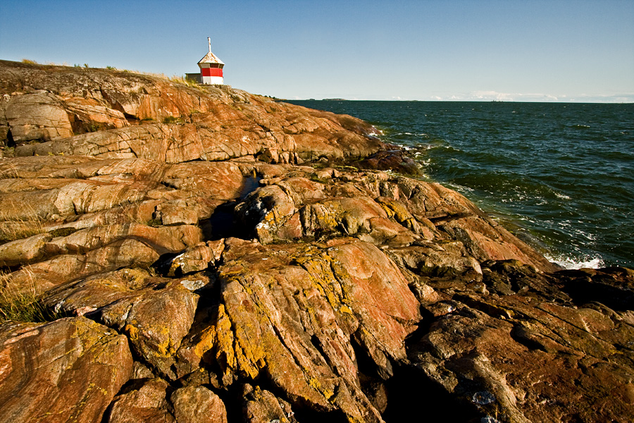A beacon at Länsi-Musta island