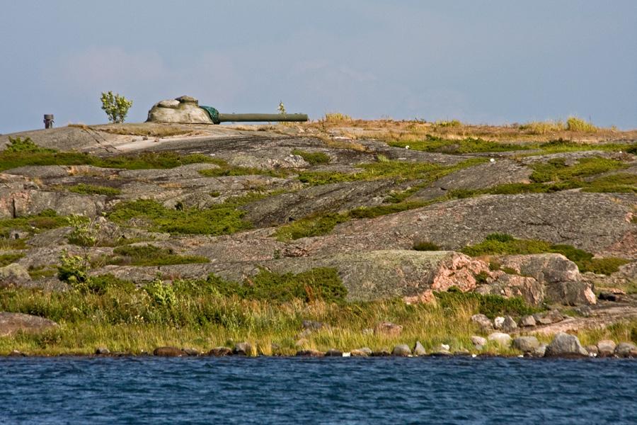 Rannikkotykki Ormskärin saarella Utössä