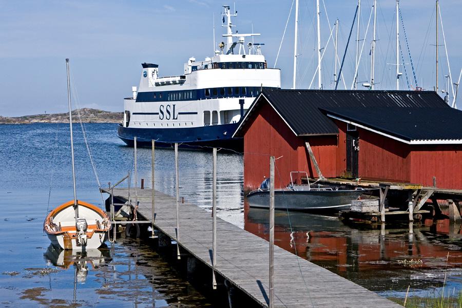 M/S Aspö Utön satamassa