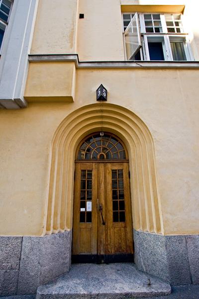 Entrance to Rauhankatu 5